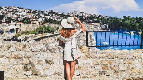 A Look at Women's Beach Sun Hats
